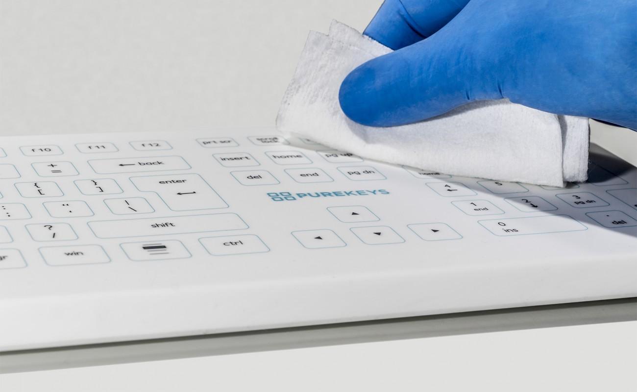 Wireless keyboard cleaning